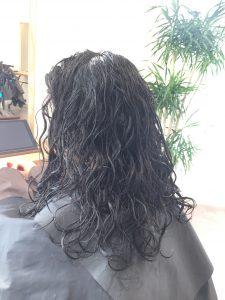 名古屋 縮毛矯正 美容室 ブリーチ ノーブロー